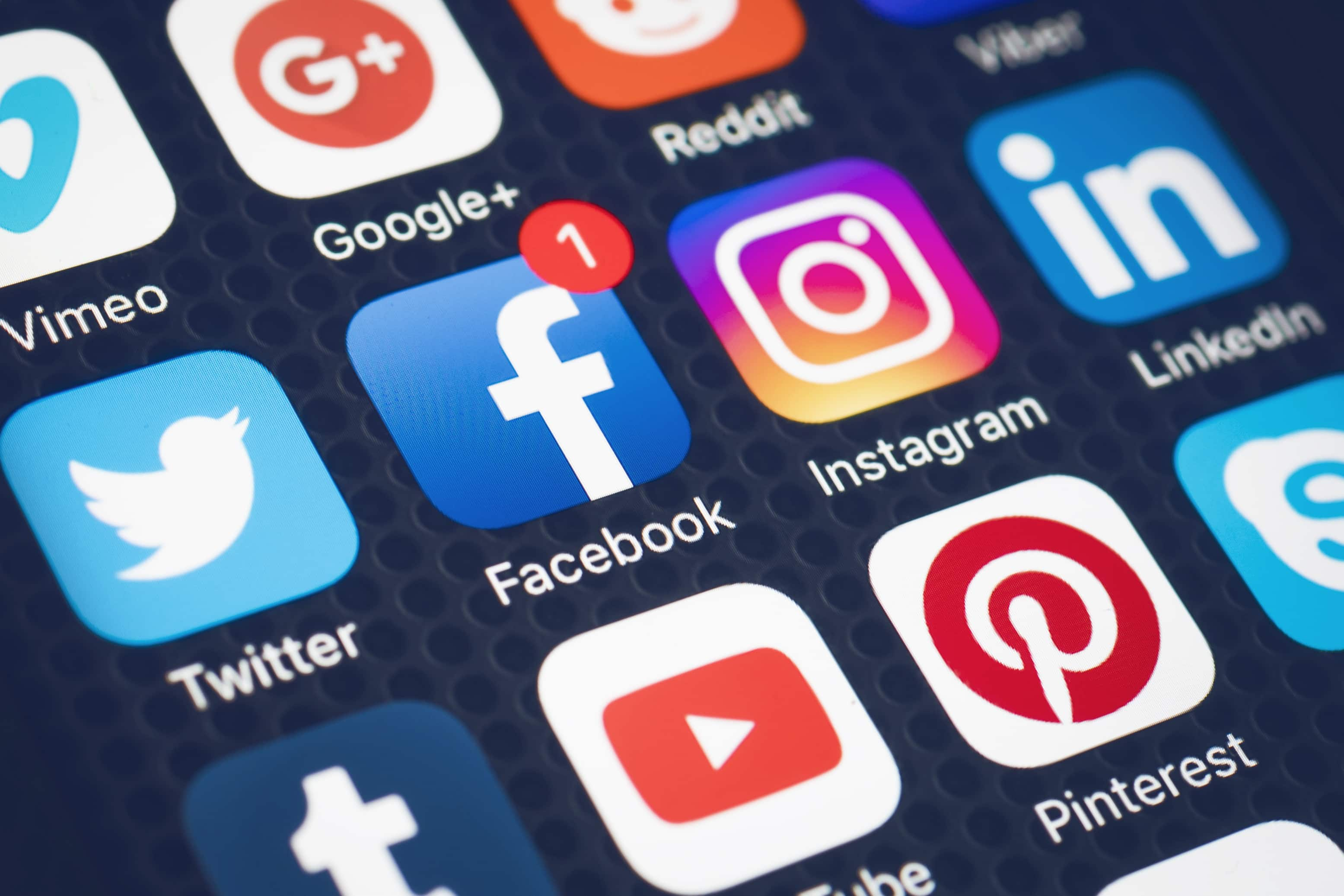 Understand the cost of marketing your app on social media