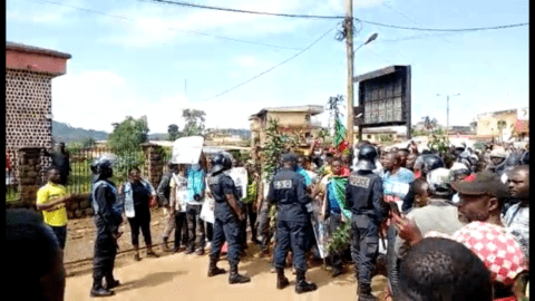 Cameroon: Repression of protests and attacks against the media must be investigated - Civic Space