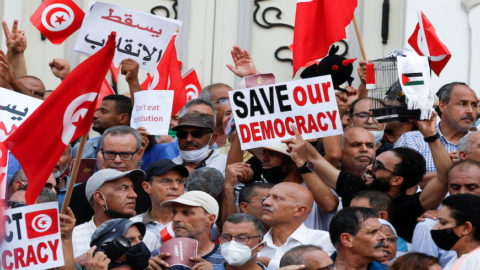 Tunisia: Freedom of expression violations against journalists and politicians - Media
